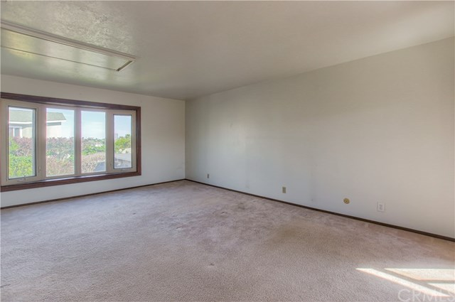 Closed | 628 W Oak Avenue El Segundo, CA 90245 7