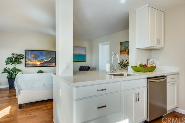 Closed | 77 15th  Street #9 Hermosa Beach, CA 90254 13