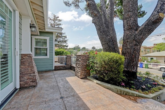 Closed | 1740 2nd  Street Manhattan Beach, CA 90266 4