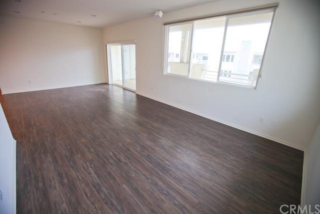 Closed | 13029 Central  Avenue #404 Hawthorne, CA 90250 4