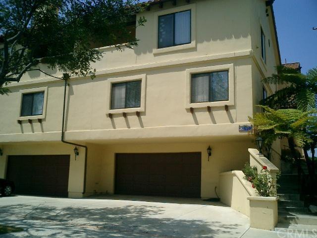 Closed   539 E Walnut Avenue #B El Segundo, CA 90245 1