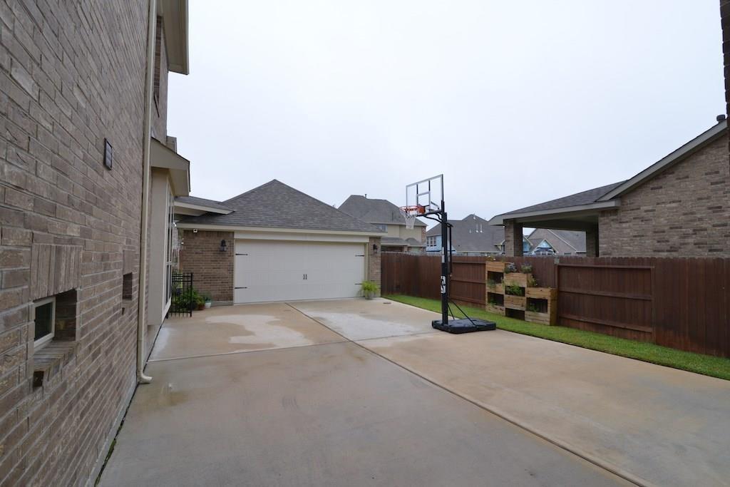 Off Market | 16615 Harbor Falls Drive Cypress, TX 77433 15