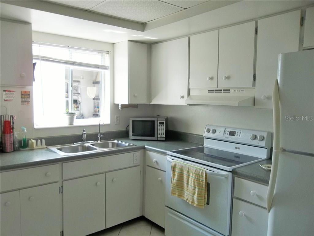 Sold Property | 1839 VERA PLACE #28 SARASOTA, FL 34235 6