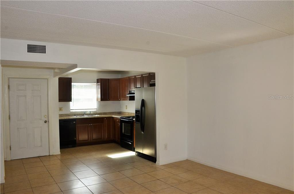 Leased | 2814 SOMERSET PARK DRIVE #203 TAMPA, FL 33613 3