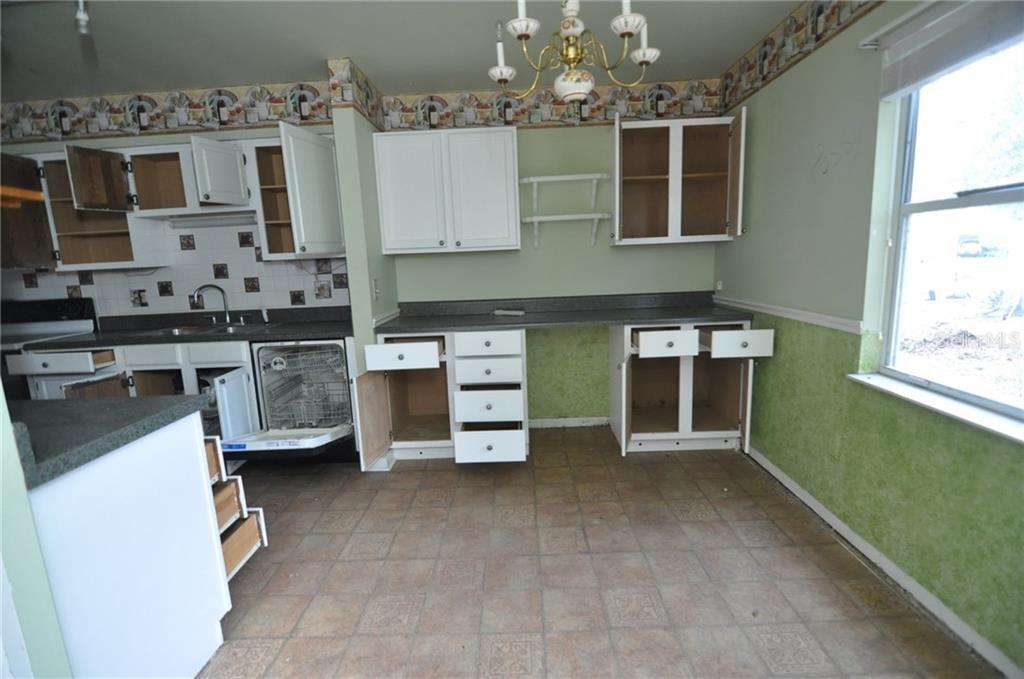 Sold Property | 1412 PINEY BRANCH CIRCLE VALRICO, FL 33594 2