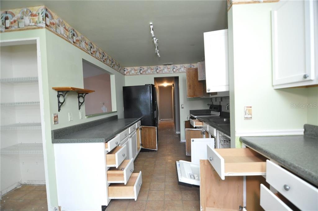 Sold Property | 1412 PINEY BRANCH CIRCLE VALRICO, FL 33594 3