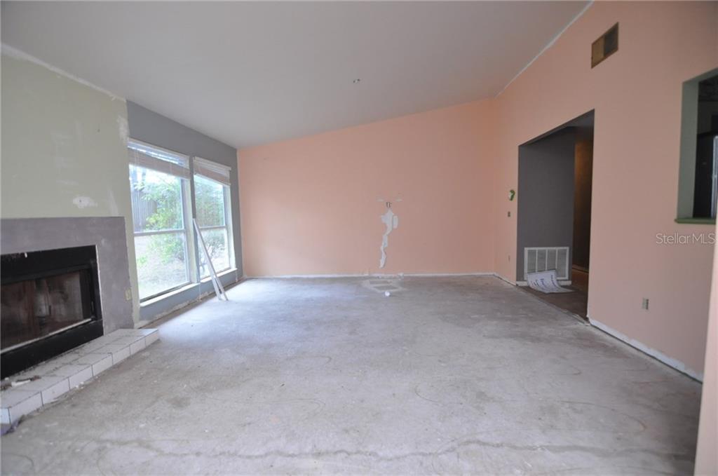 Sold Property | 1412 PINEY BRANCH CIRCLE VALRICO, FL 33594 6