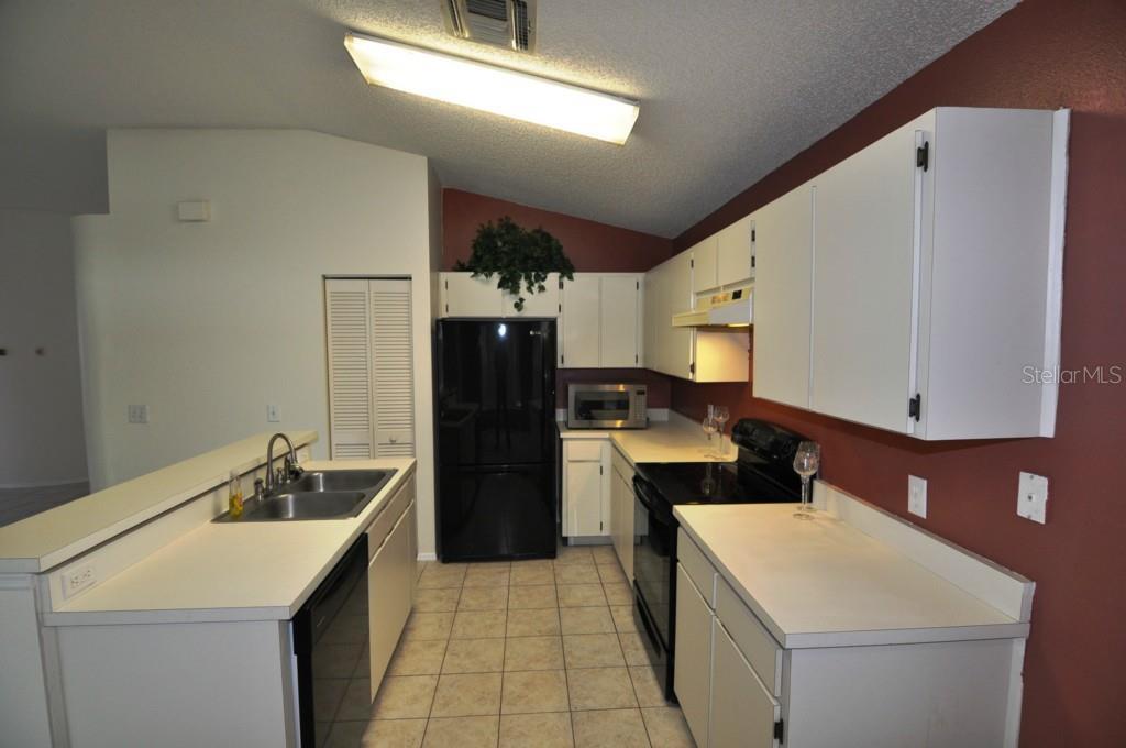 Sold Property | 1655 PORTSMOUTH LAKE DRIVE BRANDON, FL 33511 6