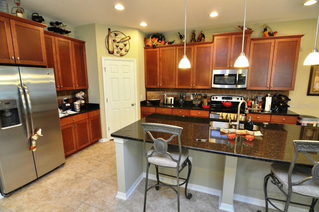 Sold Property | 1210 OAKCREST DRIVE BRANDON, FL 33510 4