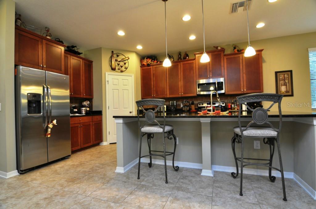 Sold Property | 1210 OAKCREST DRIVE BRANDON, FL 33510 5
