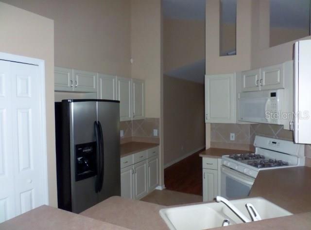 Sold Property | 2136 BRANDON PARK CIRCLE BRANDON, FL 33510 3