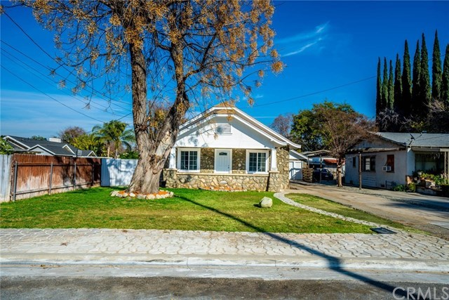 Closed | 3547 Washington Street Riverside, CA 92504 2