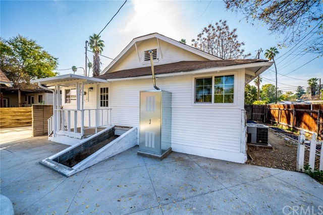 Closed | 3547 Washington Street Riverside, CA 92504 8