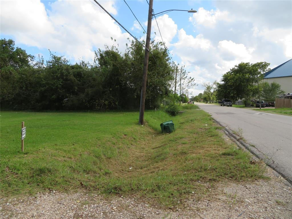 Active | 8713 Brandon Street Houston, TX 77051 5