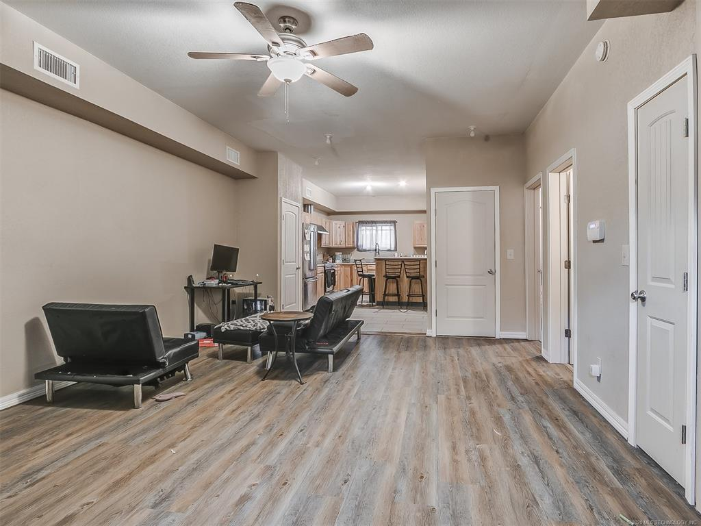 Active   210 N Rowe Street Pryor, OK 74361 7