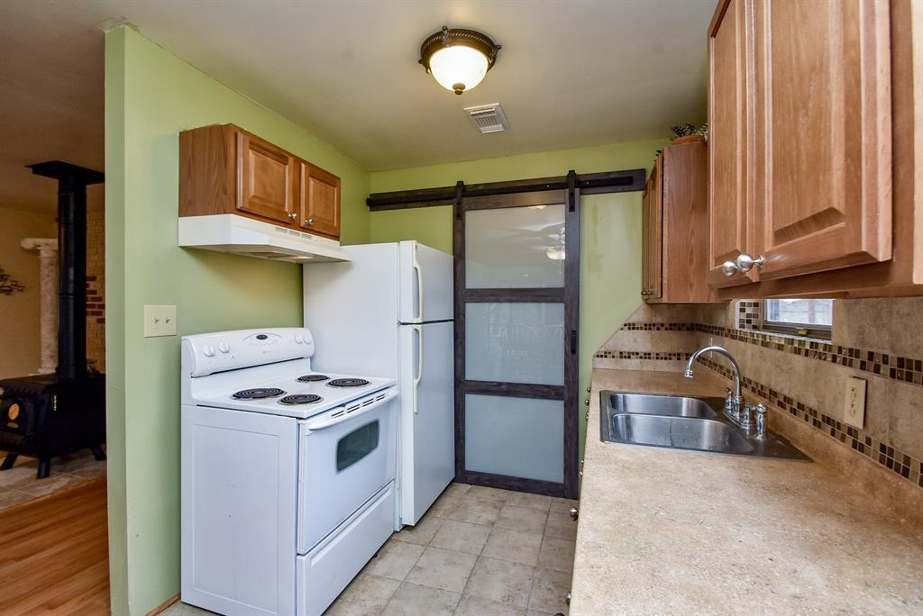 Option Pending | 142 Timberline Drive Trinity, TX 75862 10