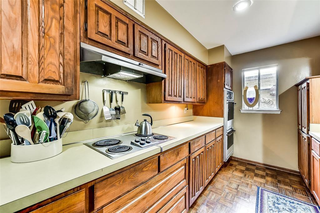 Sold Property | 2525 Turtle Creek Boulevard #404 Dallas, TX 75219 8