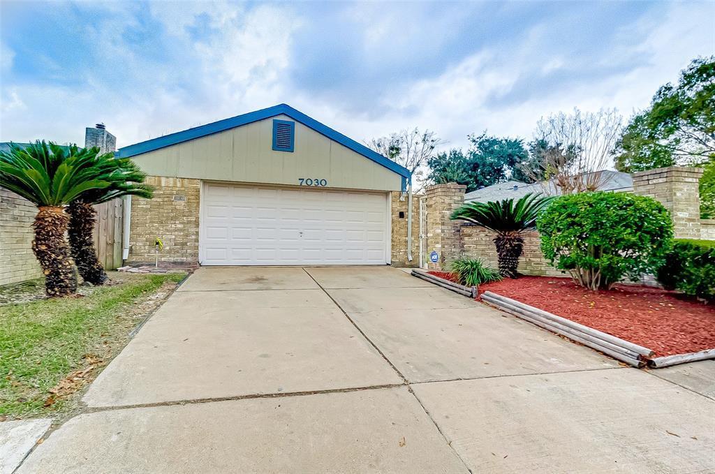 Active | 7030 Camino Verde Drive Houston, TX 77083 0