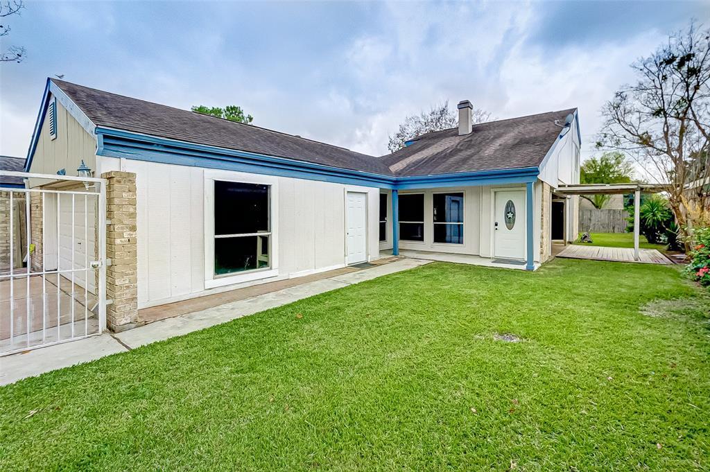 Active | 7030 Camino Verde Drive Houston, TX 77083 2
