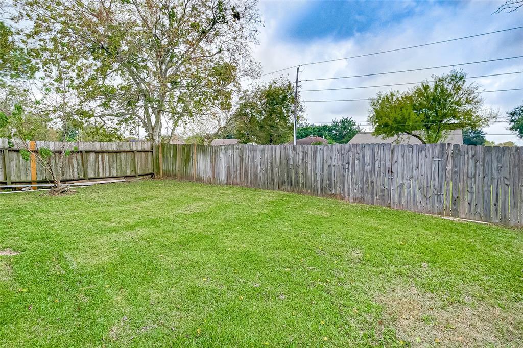 Active | 7030 Camino Verde Drive Houston, TX 77083 31