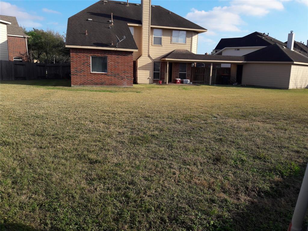 Pending | 10102 ELDER MILL Lane Sugar Land, Texas 77498 7