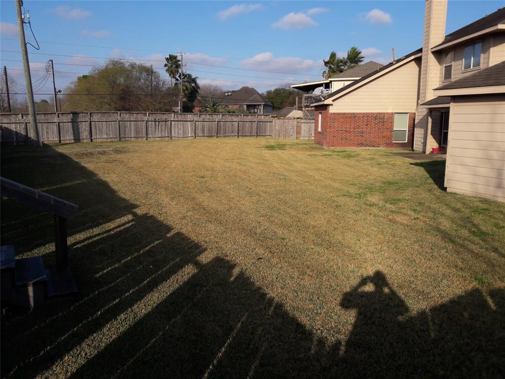 Pending | 10102 ELDER MILL Lane Sugar Land, Texas 77498 8