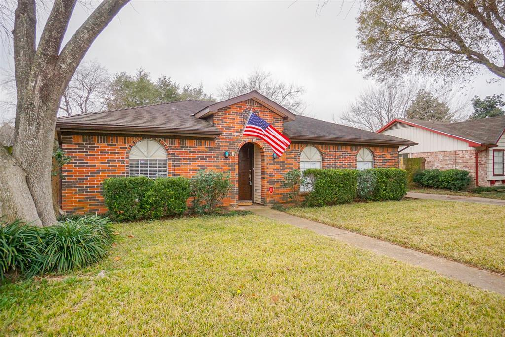 Property for Rent | 11419 Gladefield Drive Houston, TX 77099 2