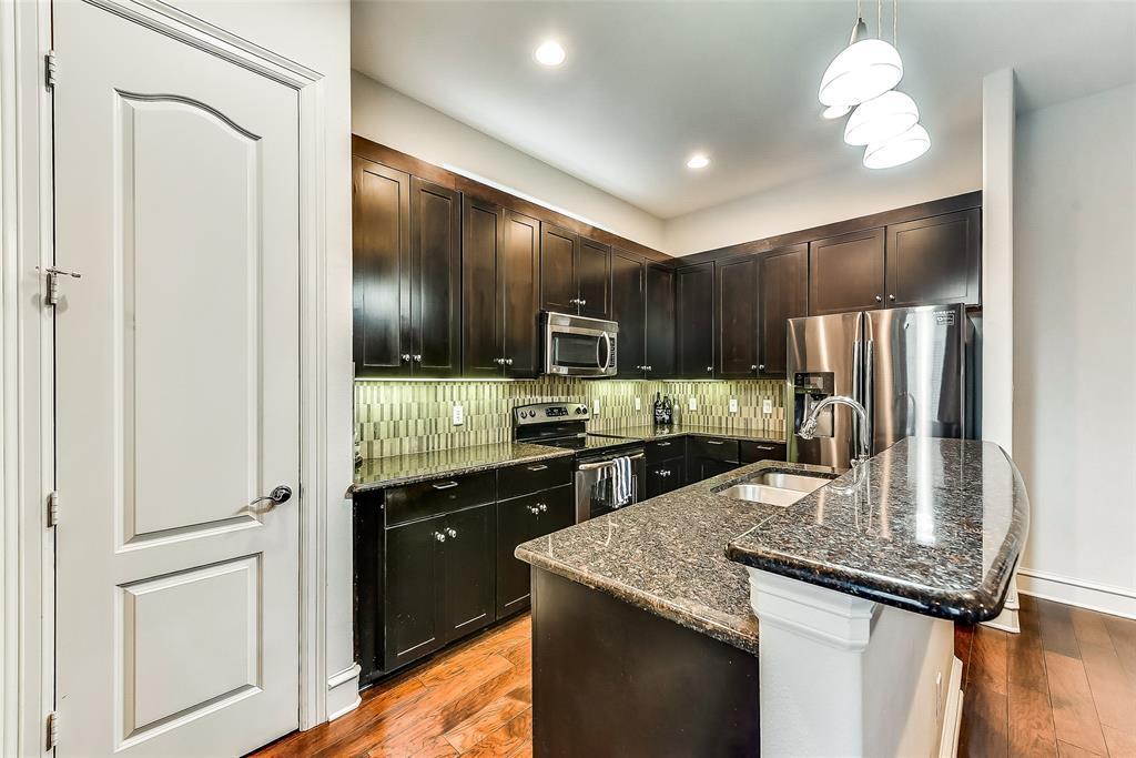 Sold Property | 2100 N Fitzhugh Avenue #H Dallas, TX 75204 9