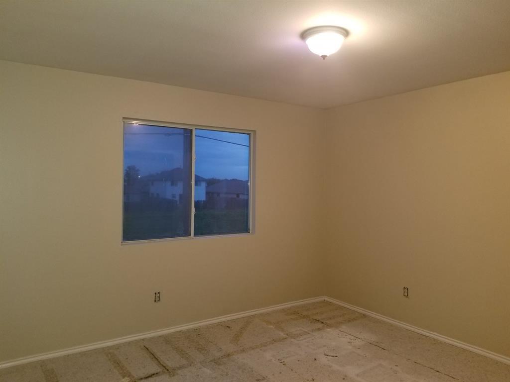 Active | 12615 Roxdale Ridge Drive Houston, TX 77044 6