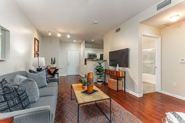 Active Under Contract | 1801 E Katella Avenue #1065 Anaheim, CA 92805 6