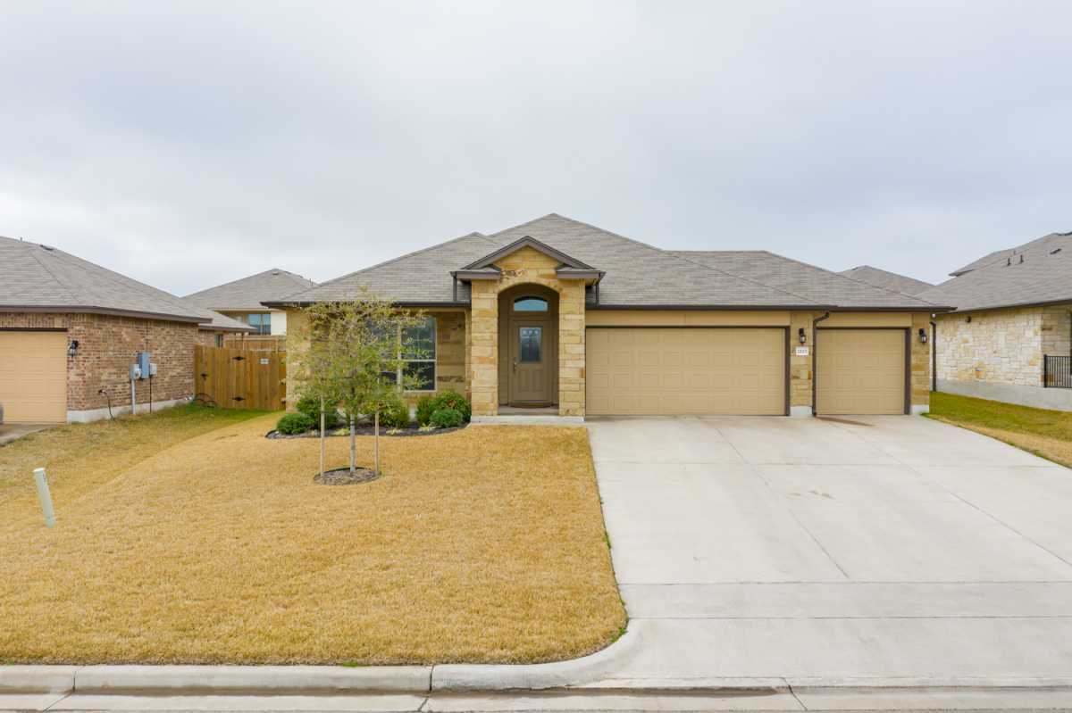 luxury home, waco homes | 2825 Gilchrist Dr Lorena, TX 76655 3