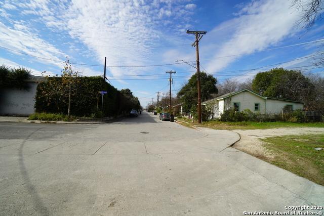 Active | 419 E LACHAPELLE San Antonio, TX 78204 1
