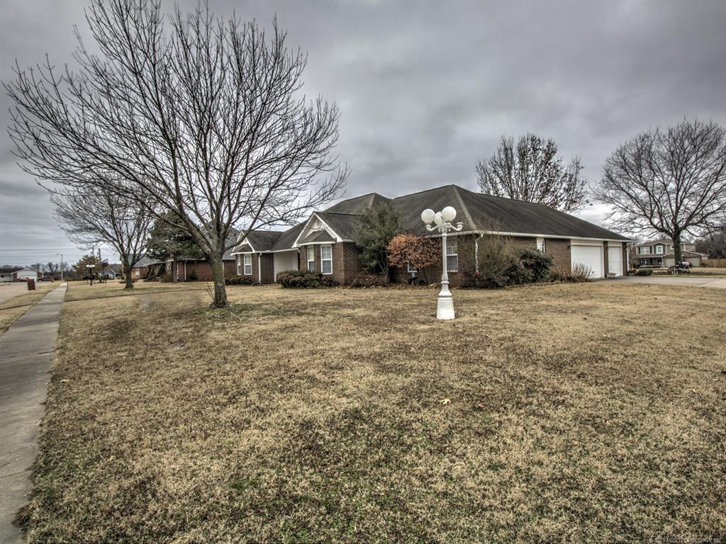 Active | 2800 Summerfield Place Pryor, OK 74361 2