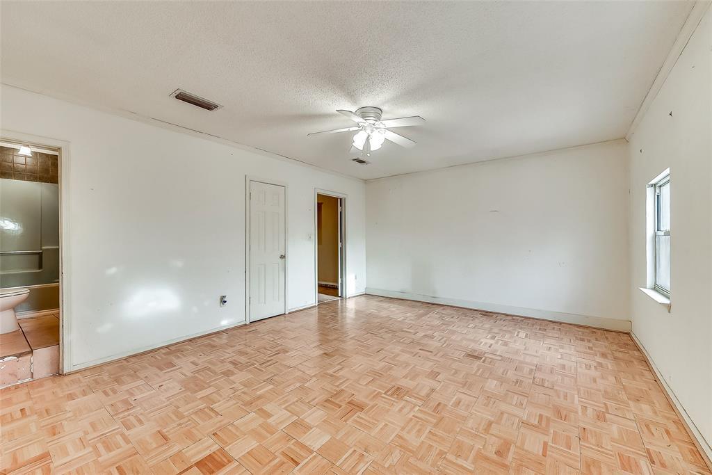 Sold Property | 1521 Oakbrook Court Lancaster, TX 75134 11
