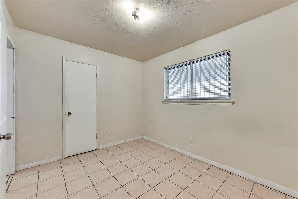 Sold Property | 1521 Oakbrook Court Lancaster, TX 75134 14