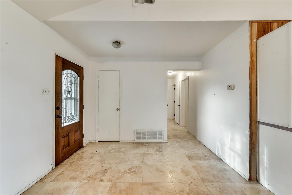 Sold Property | 1521 Oakbrook Court Lancaster, TX 75134 2