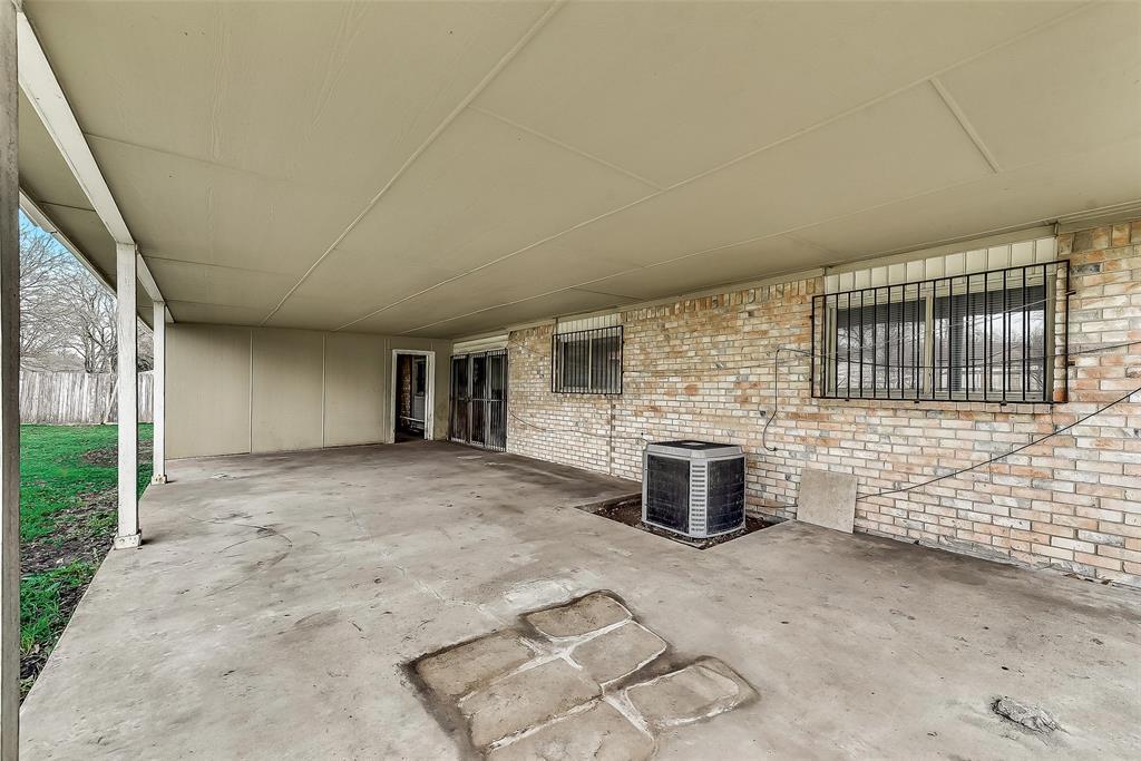 Sold Property | 1521 Oakbrook Court Lancaster, TX 75134 20