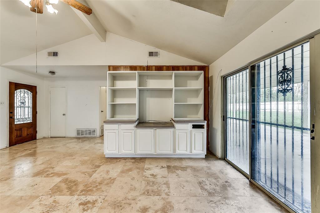 Sold Property | 1521 Oakbrook Court Lancaster, TX 75134 3