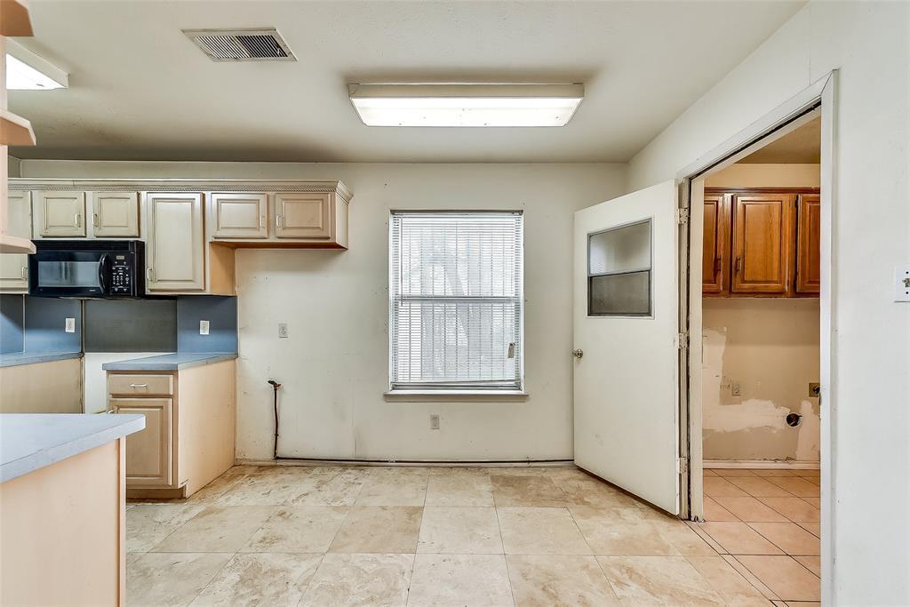 Sold Property | 1521 Oakbrook Court Lancaster, TX 75134 6
