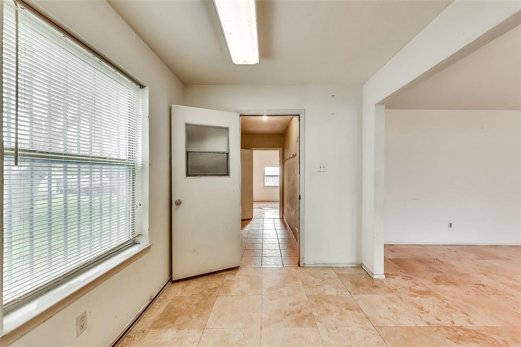 Sold Property | 1521 Oakbrook Court Lancaster, TX 75134 7