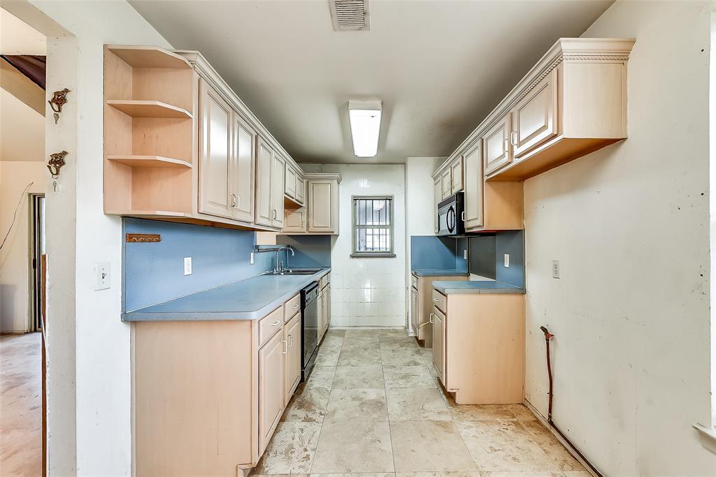 Sold Property | 1521 Oakbrook Court Lancaster, TX 75134 8