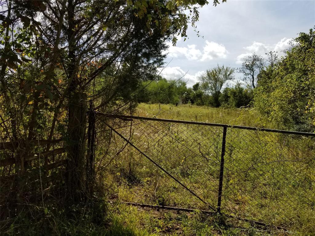 Active | 3567 Lynn Road Bellville, TX 77418 3