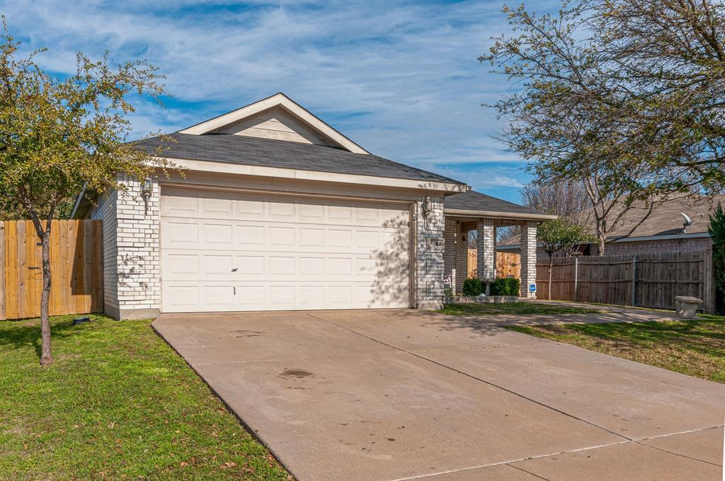 Active Contingent | 3904 Silver Springs Drive Fort Worth, TX 76123 2
