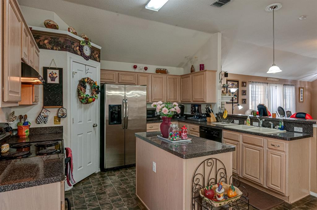 Active Contingent | 3904 Silver Springs Drive Fort Worth, TX 76123 12