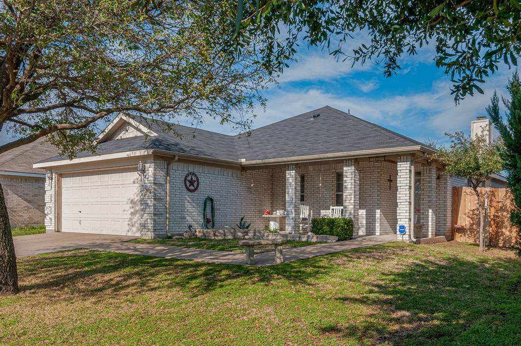Active Contingent | 3904 Silver Springs Drive Fort Worth, TX 76123 3