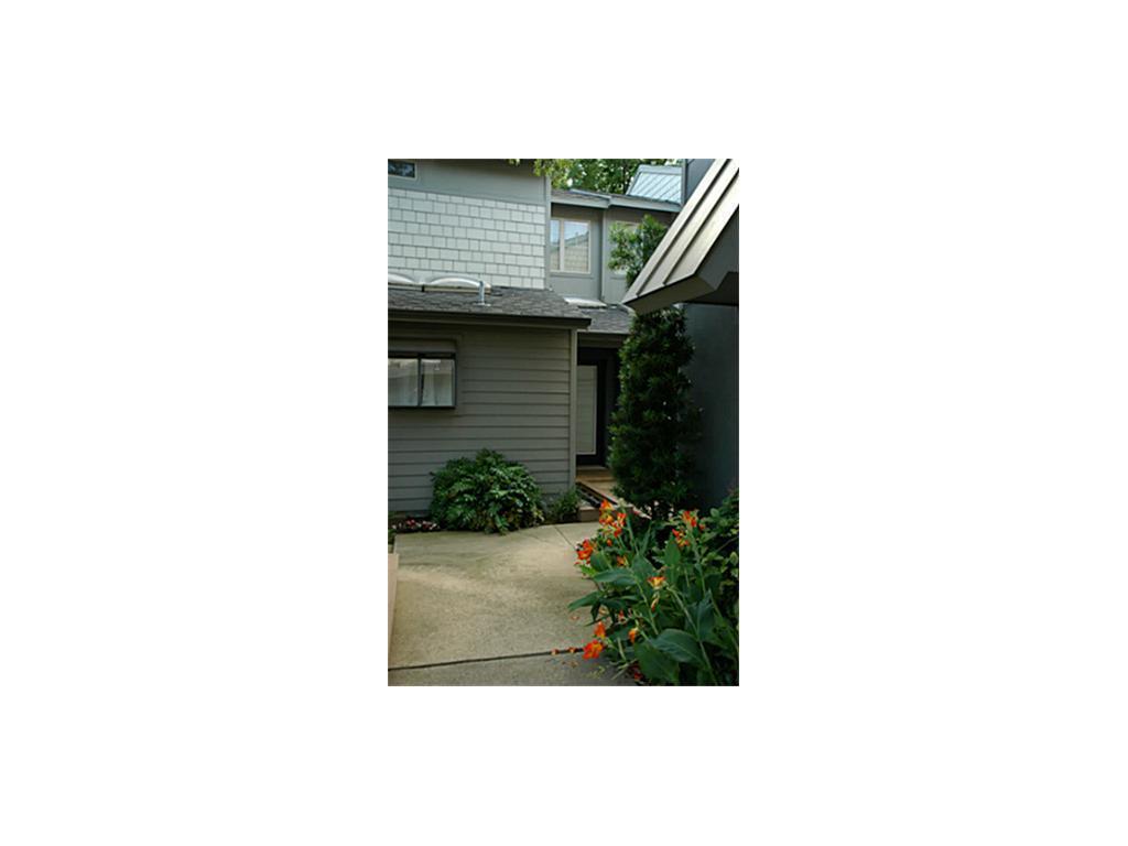 Leased   3321 Oak Grove Avenue #O Dallas, TX 75204 7