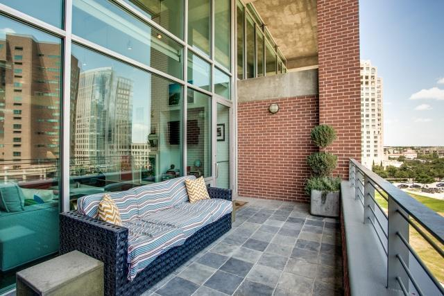 Leased | 2011 Cedar Springs Road #402 Dallas, TX 75201 1