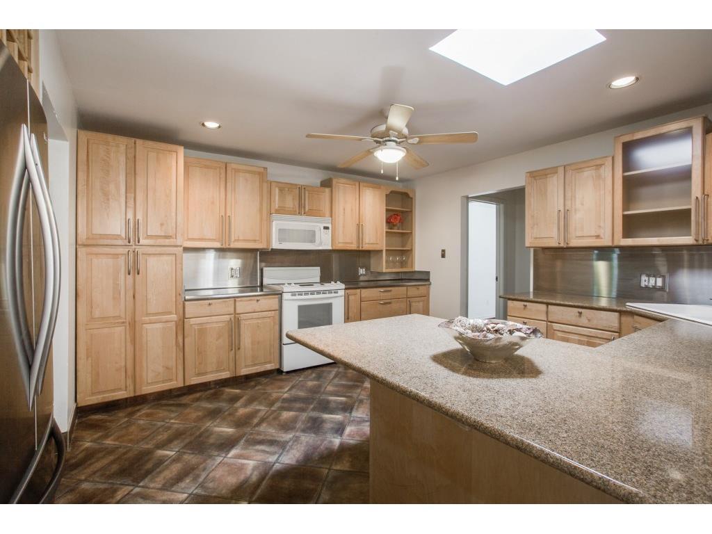 Leased | 4638 W Amherst Avenue Dallas, TX 75209 3