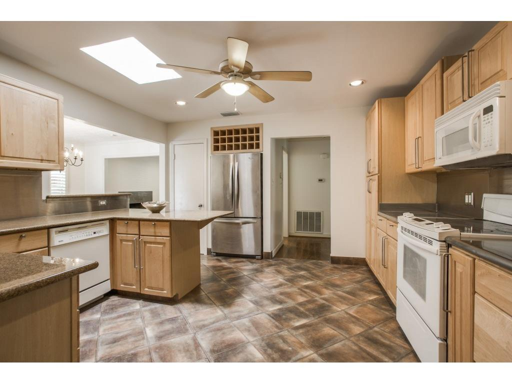 Leased | 4638 W Amherst Avenue Dallas, TX 75209 4