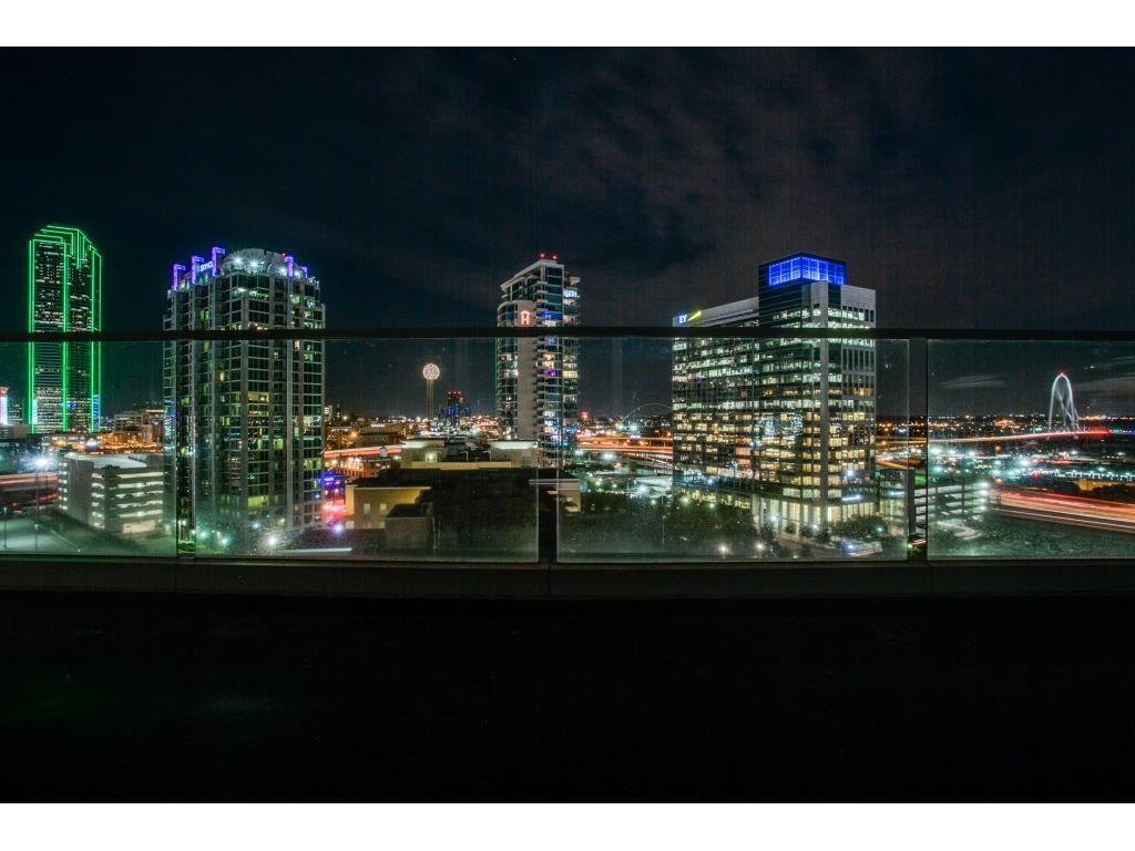 Leased   2408 Victory Park Lane #1034 Dallas, TX 75219 24